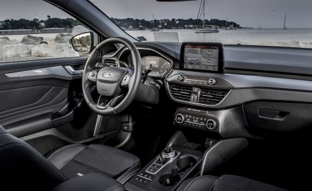 2019 Ford Focus Active Wagon (Color: Metropolis White) Interior Wallpapers 450x275 (36)