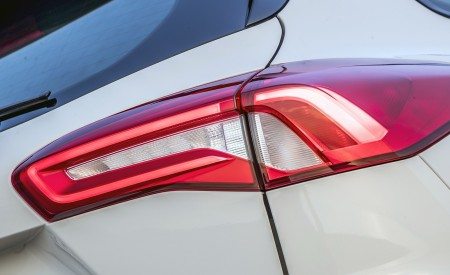 2019 Ford Focus Active Wagon (Color: Metropolis White) Tail Light Wallpapers 450x275 (26)