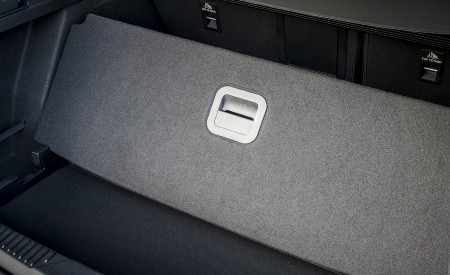 2019 Ford Focus Active Wagon (Color: Metropolis White) Trunk Wallpapers 450x275 (48)