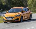 2019 Ford Focus ST (Euro-Spec Color: Orange Fury) Front Three-Quarter Wallpapers 150x120 (25)