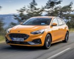 2019 Ford Focus ST (Euro-Spec Color: Orange Fury) Front Three-Quarter Wallpapers 150x120 (2)