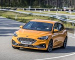 2019 Ford Focus ST (Euro-Spec Color: Orange Fury) Front Three-Quarter Wallpapers 150x120 (26)