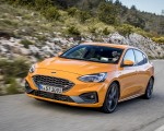 2019 Ford Focus ST (Euro-Spec Color: Orange Fury) Front Three-Quarter Wallpapers 150x120 (3)