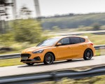 2019 Ford Focus ST (Euro-Spec Color: Orange Fury) Front Three-Quarter Wallpapers 150x120 (28)