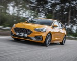 2019 Ford Focus ST (Euro-Spec Color: Orange Fury) Front Three-Quarter Wallpapers 150x120 (6)