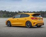 2019 Ford Focus ST (Euro-Spec Color: Orange Fury) Rear Three-Quarter Wallpapers 150x120 (41)