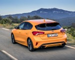 2019 Ford Focus ST (Euro-Spec Color: Orange Fury) Rear Three-Quarter Wallpapers 150x120 (19)