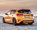 2019 Ford Focus ST (Euro-Spec Color: Orange Fury) Rear Three-Quarter Wallpapers 150x120 (43)