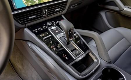 2019 Porsche Cayenne E-Hybrid (US-Spec) Central Console Wallpapers 450x275 (36)