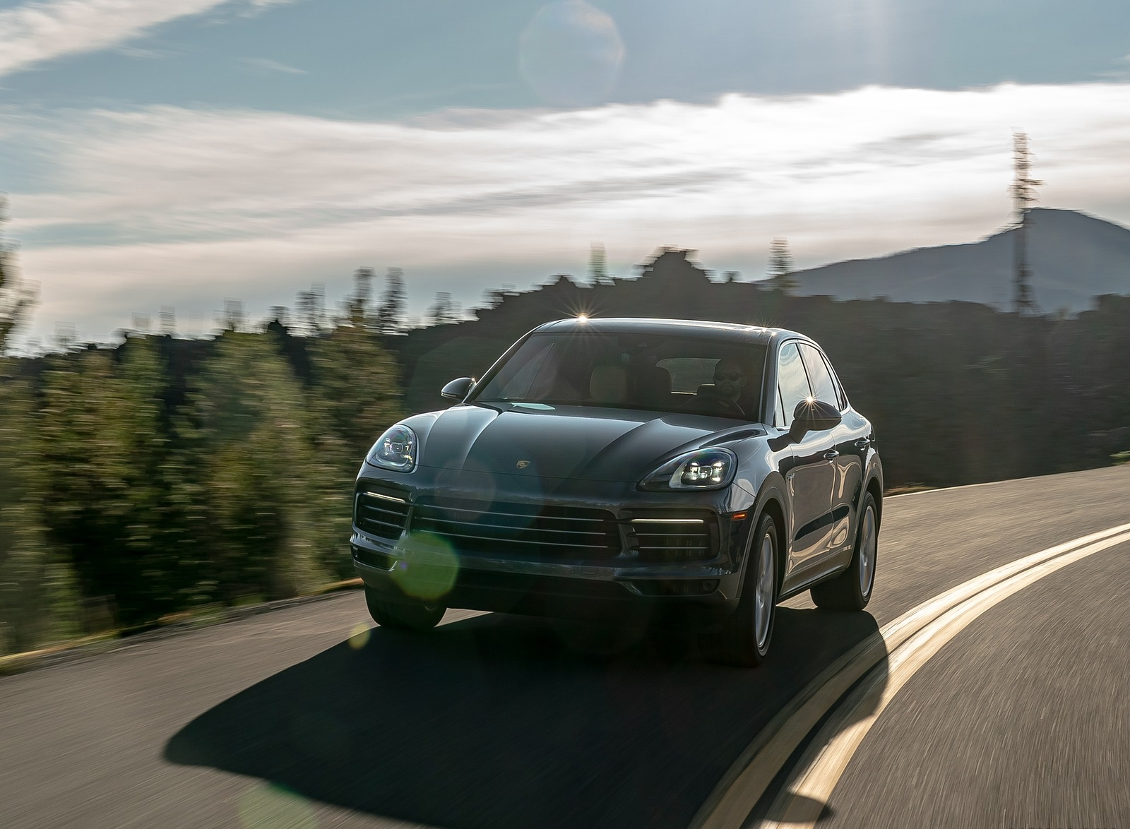 2019 Porsche Cayenne E-Hybrid (US-Spec) Front Wallpapers (6)