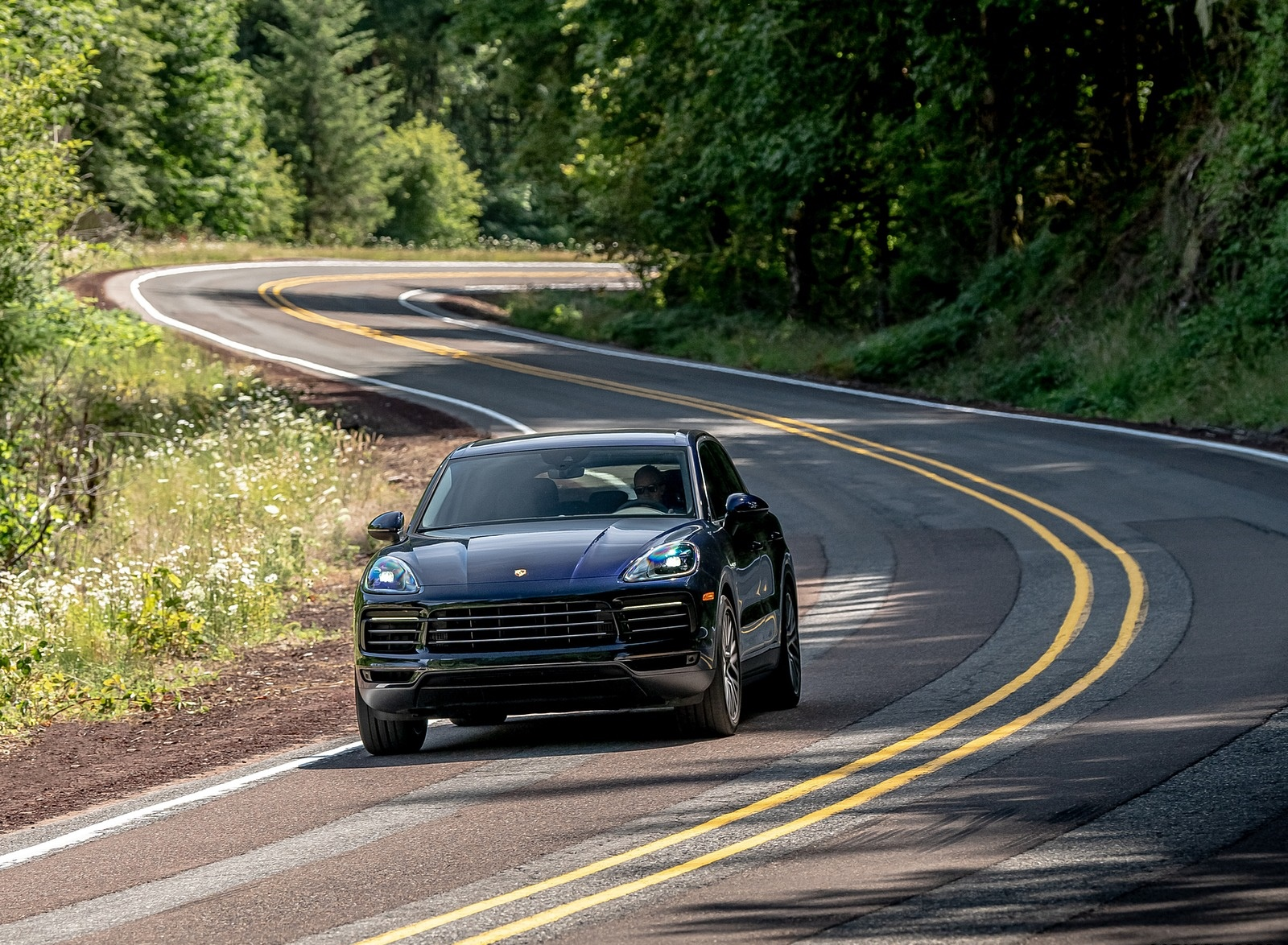 2019 Porsche Cayenne E-Hybrid (US-Spec) Front Wallpapers (8)