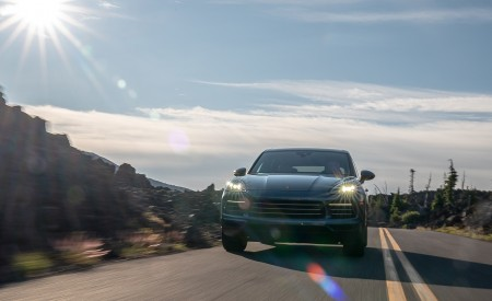 2019 Porsche Cayenne E-Hybrid (US-Spec) Front Wallpapers 450x275 (9)