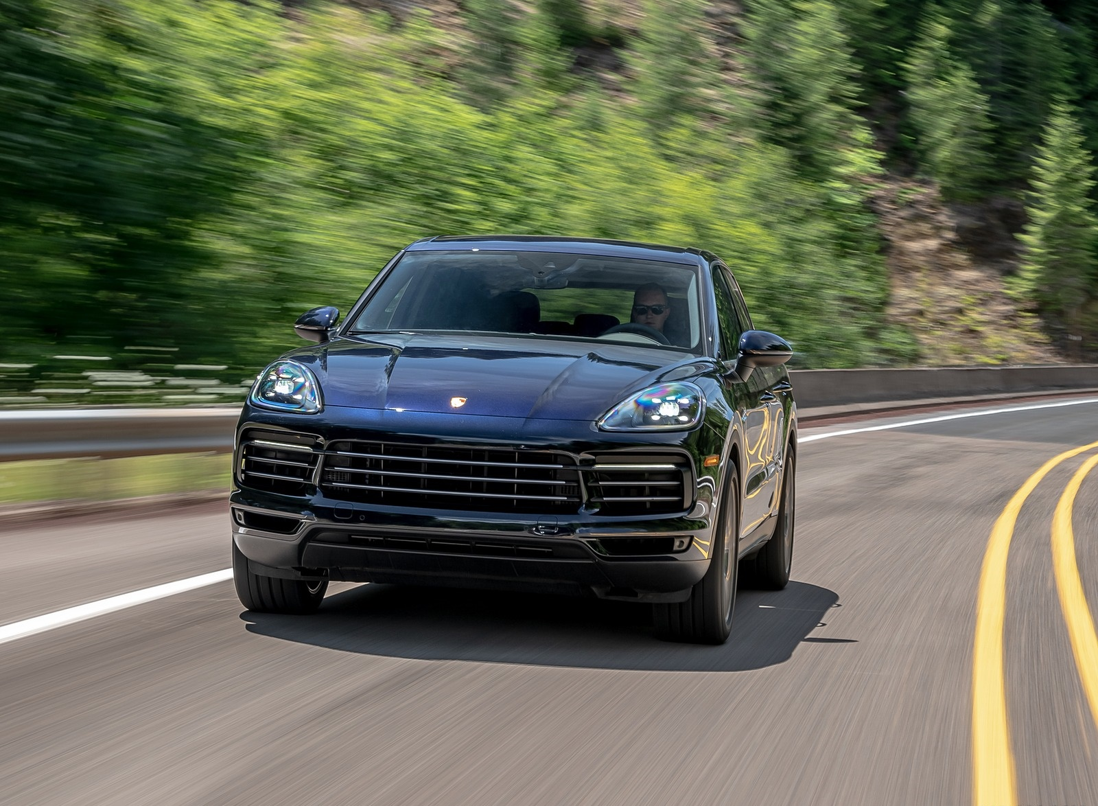 2019 Porsche Cayenne E-Hybrid (US-Spec) Front Wallpapers (1)