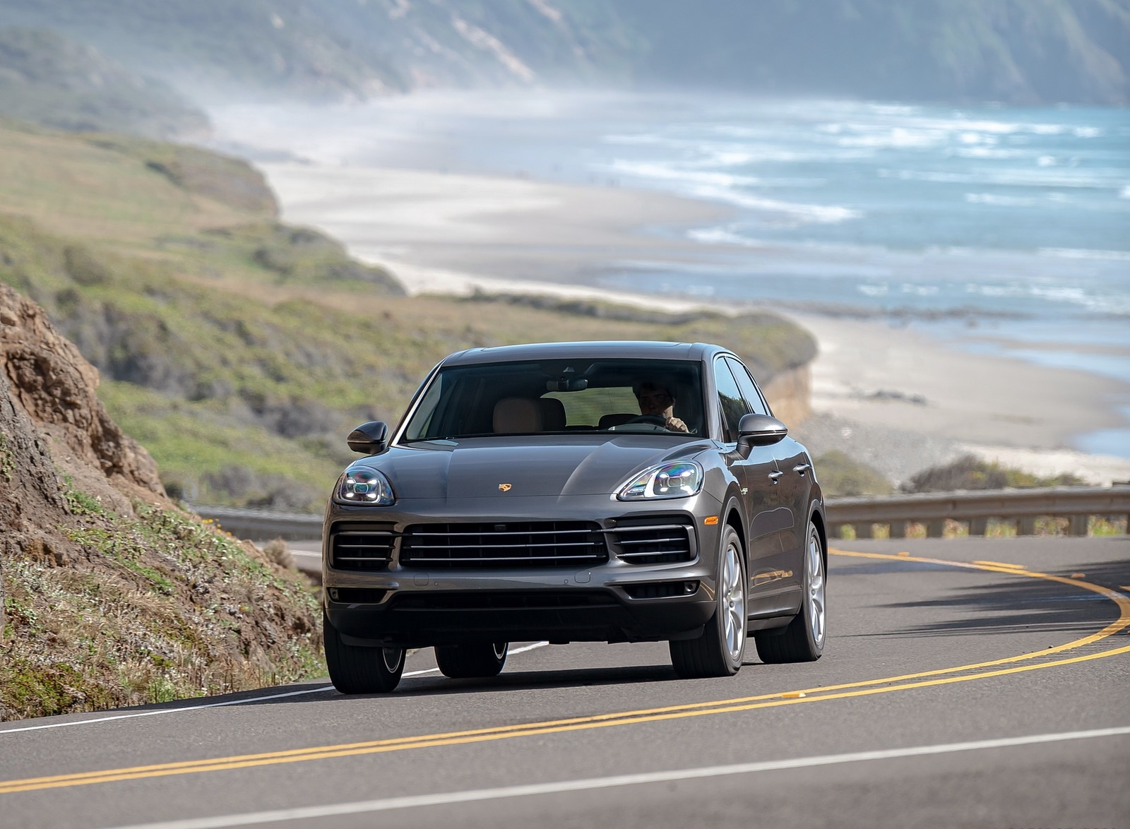 2019 Porsche Cayenne E-Hybrid (US-Spec) Front Wallpapers (10)