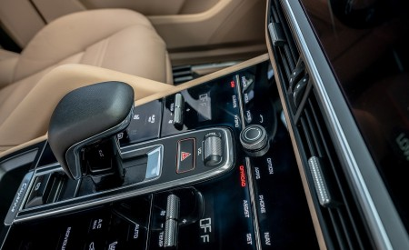 2019 Porsche Cayenne E-Hybrid (US-Spec) Interior Detail Wallpapers 450x275 (31)