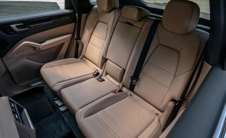 2019 Porsche Cayenne E-Hybrid (US-Spec) Interior Rear Seats Wallpapers 450x275 (29)