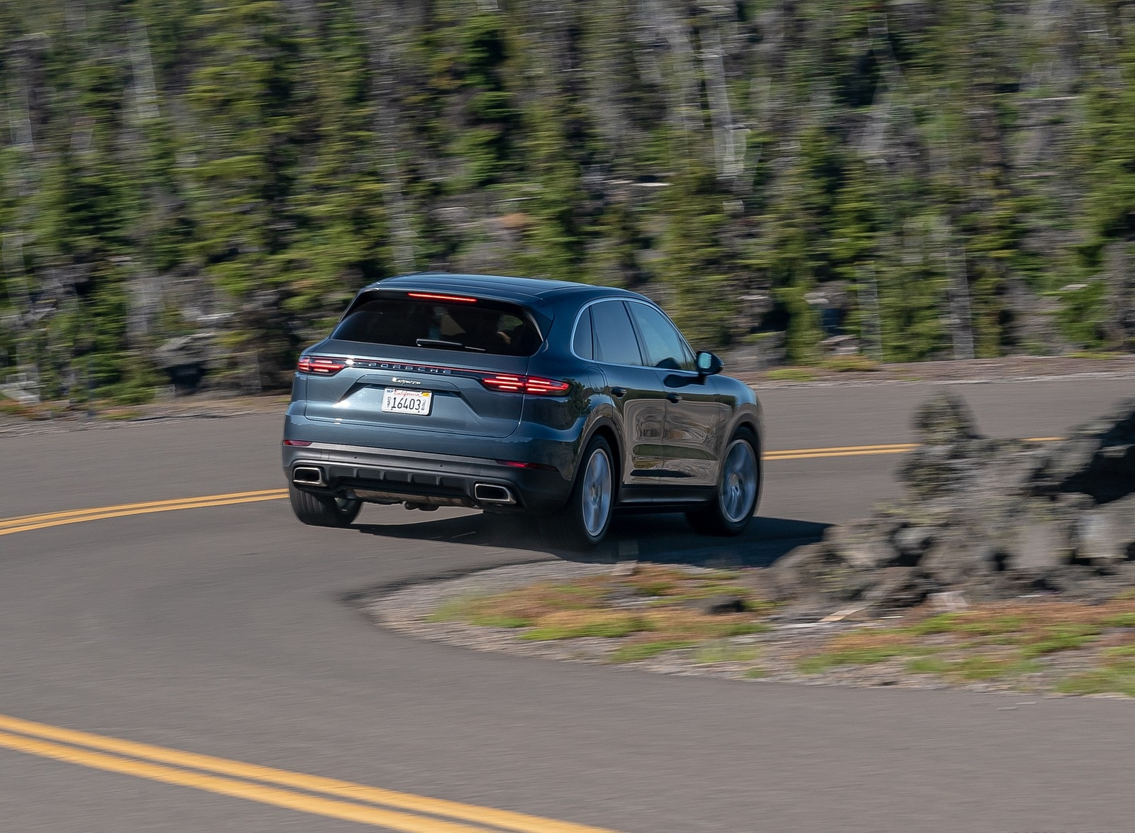 2019 Porsche Cayenne E-Hybrid (US-Spec) Rear Three-Quarter Wallpapers (11)