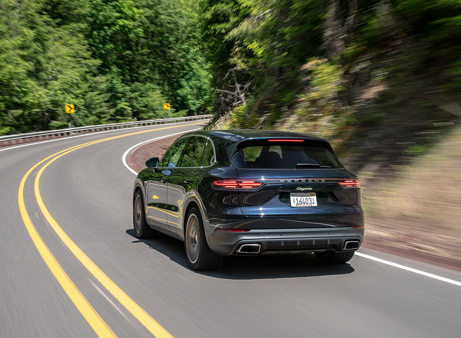 2019 Porsche Cayenne E-Hybrid (US-Spec) Rear Three-Quarter Wallpapers (12)