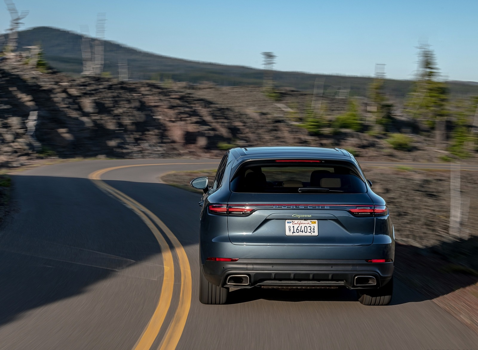 2019 Porsche Cayenne E-Hybrid (US-Spec) Rear Wallpapers (13)