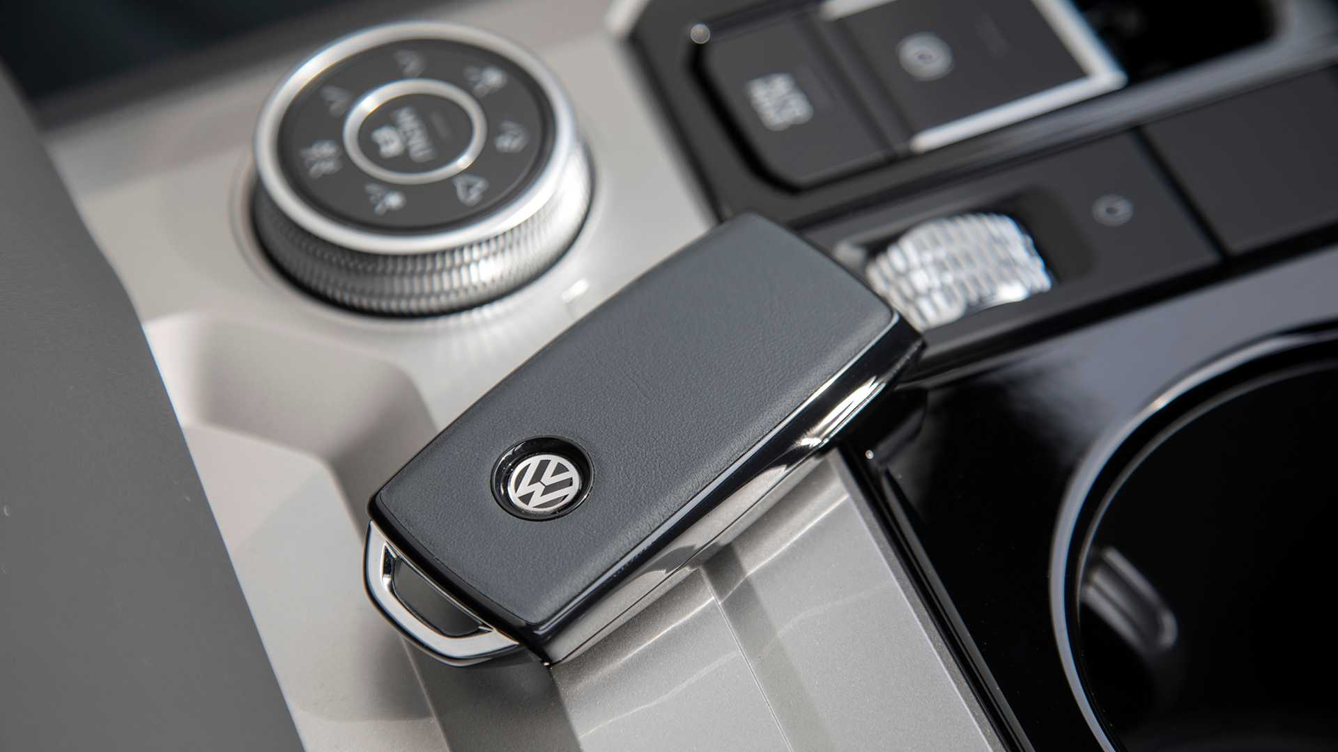 2019 Volkswagen Touareg ONE Million Detail Wallpapers (9)