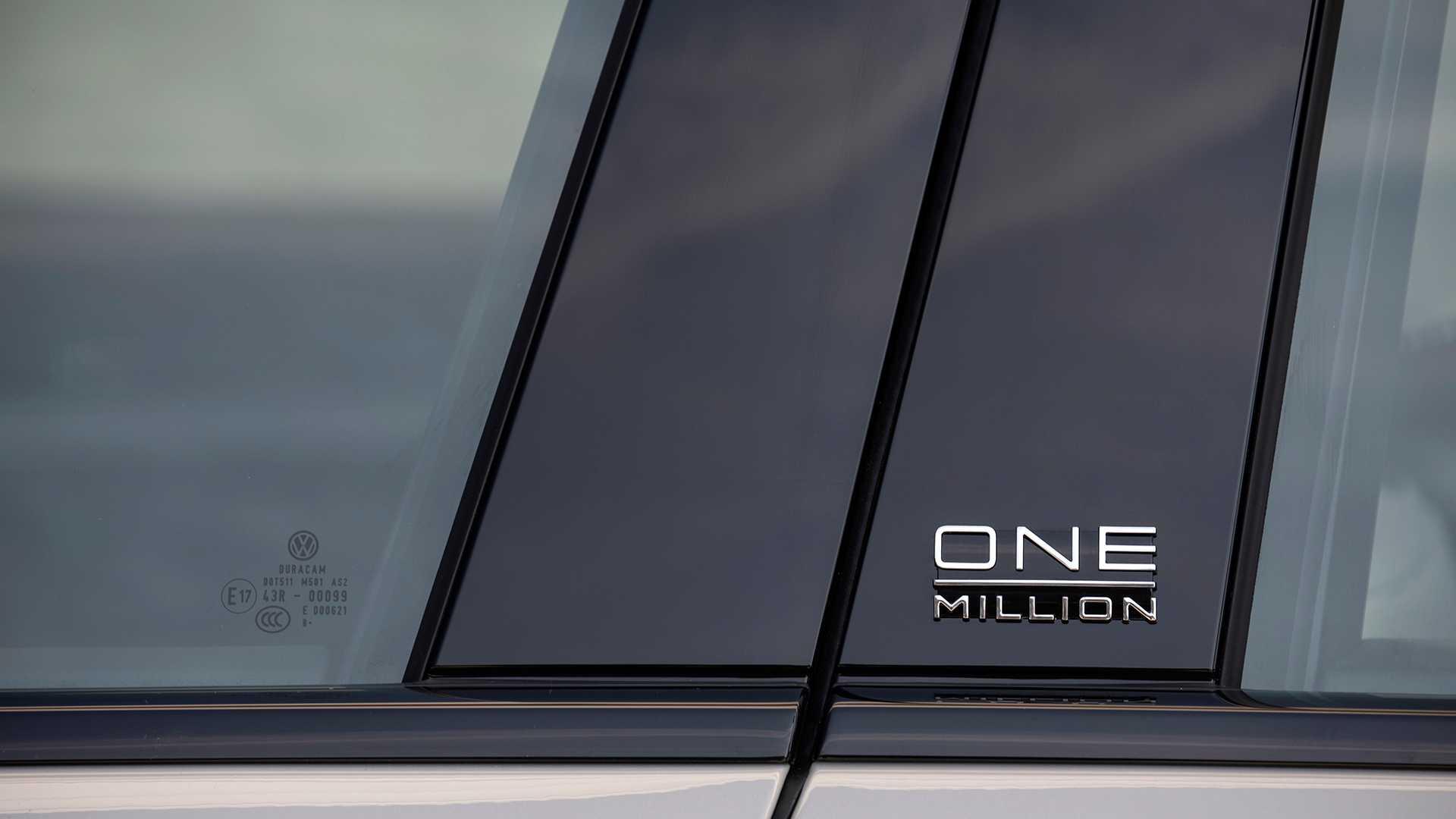 2019 Volkswagen Touareg ONE Million Detail Wallpapers (6)
