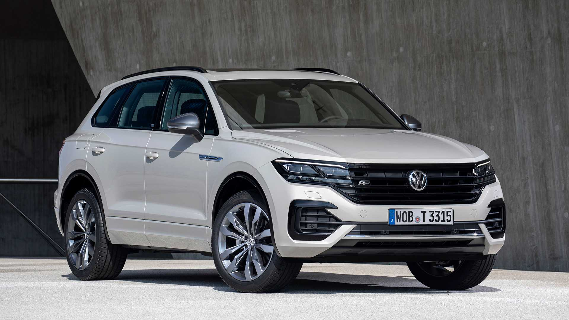 2019 Volkswagen Touareg ONE Million Front Three-Quarter Wallpapers (2)