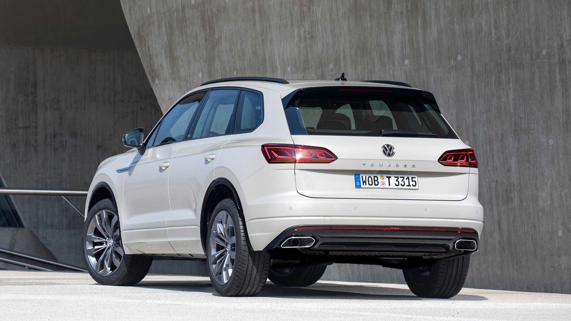 2019 Volkswagen Touareg ONE Million Rear Three-Quarter Wallpapers (4)