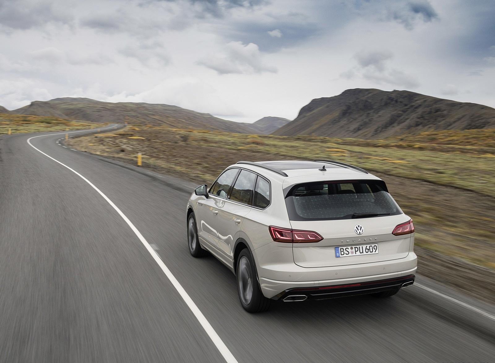 2019 Volkswagen Touareg ONE Million Rear Three-Quarter Wallpapers (3)