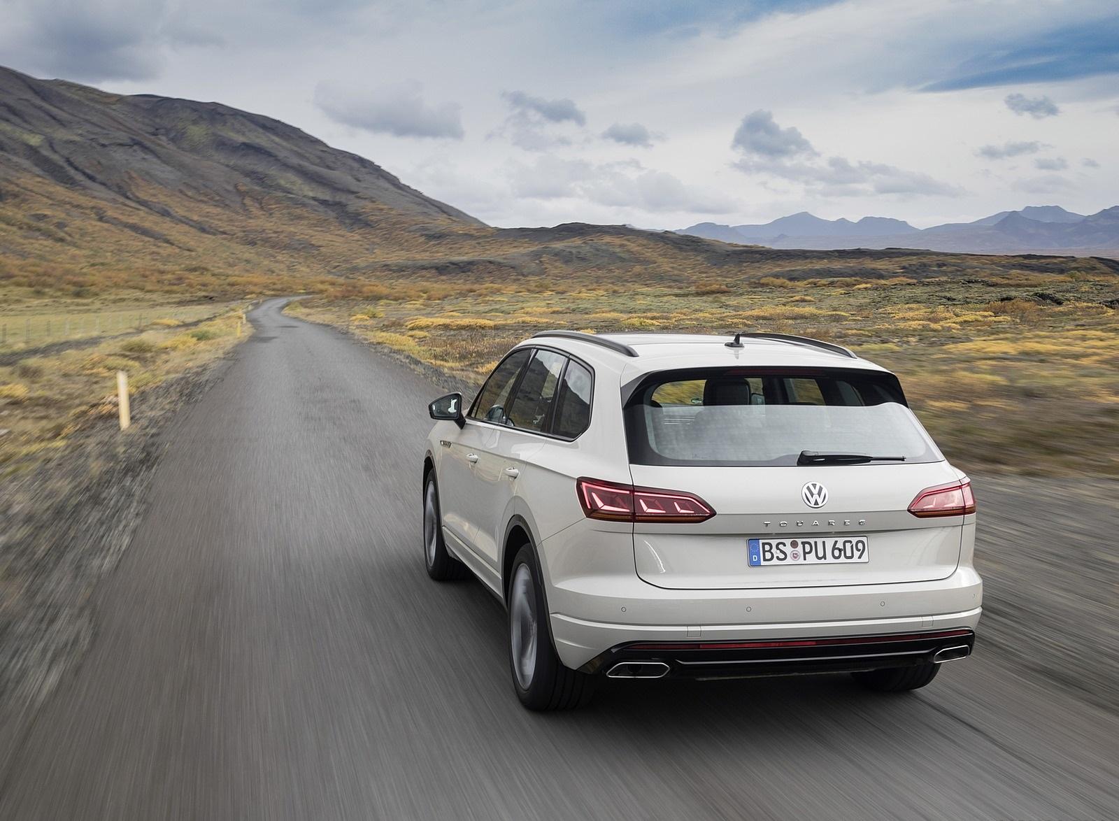 2019 Volkswagen Touareg ONE Million Rear Wallpapers (4)