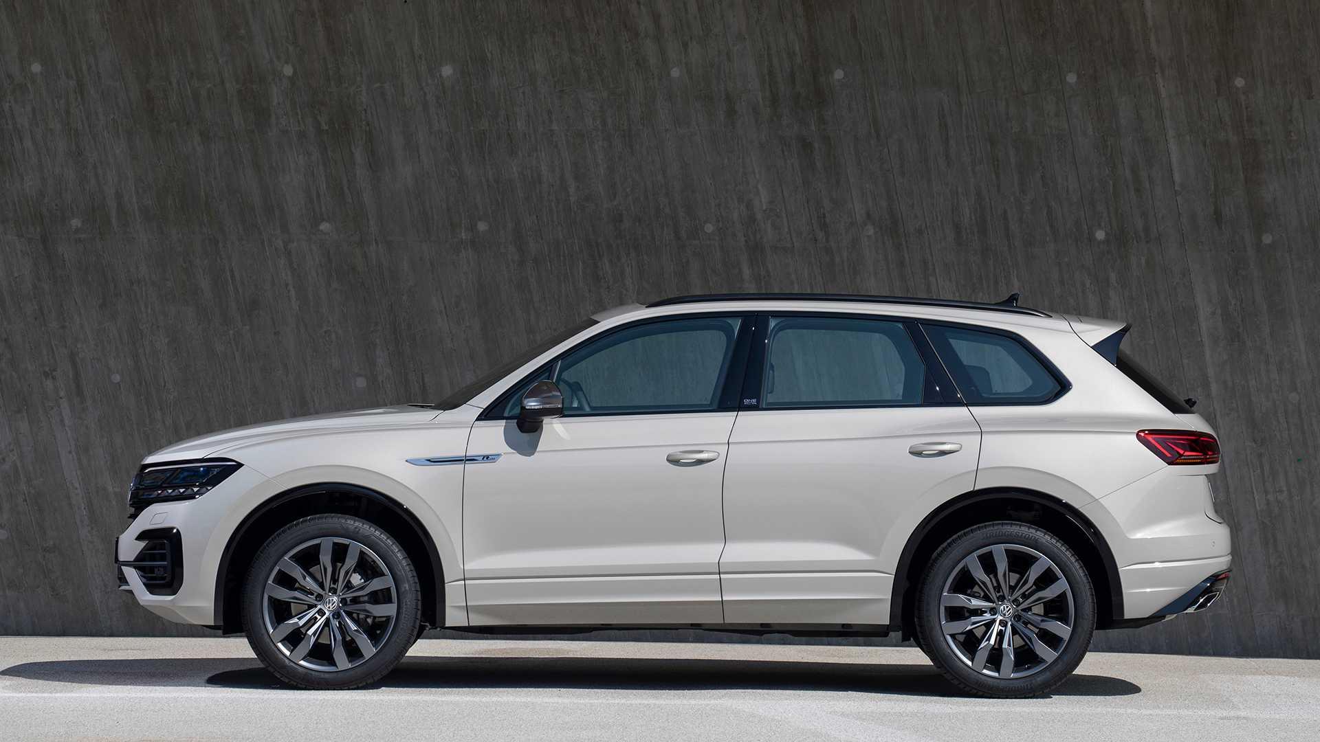 2019 Volkswagen Touareg ONE Million Side Wallpapers (5)