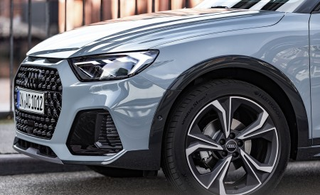 2020 Audi A1 Citycarver (Color: Arrow Gray) Detail Wallpapers 450x275 (54)
