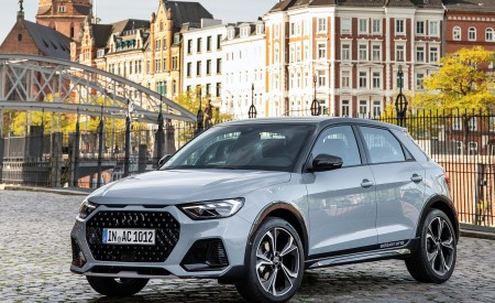 2020 Audi A1 Citycarver (Color: Arrow Gray) Front Three-Quarter Wallpapers 450x275 (53)