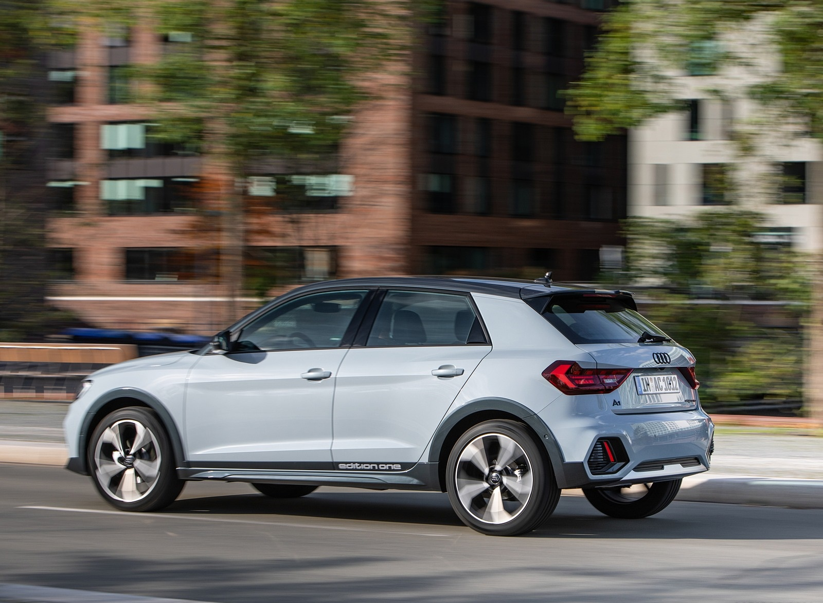 2020 Audi A1 Citycarver (Color: Arrow Gray) Rear Three-Quarter Wallpapers (5)