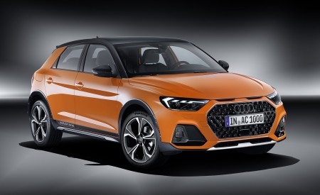 2020 Audi A1 Citycarver (Color: Pulse Orange) Front Three-Quarter Wallpapers 450x275 (94)
