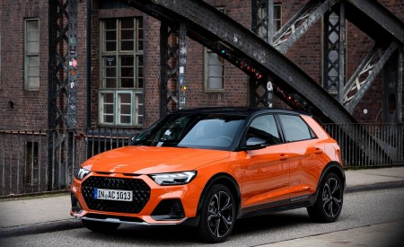 2020 Audi A1 Citycarver (Color: Pulse Orange) Front Three-Quarter Wallpapers 450x275 (39)