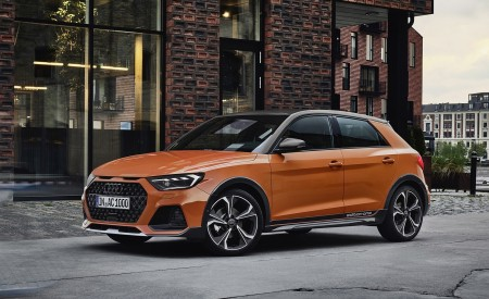 2020 Audi A1 Citycarver (Color: Pulse Orange) Front Three-Quarter Wallpapers 450x275 (78)
