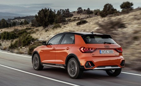 2020 Audi A1 Citycarver (Color: Pulse Orange) Rear Three-Quarter Wallpapers 450x275 (68)