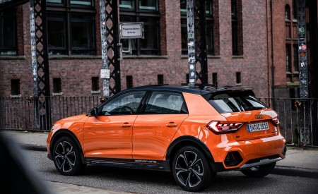 2020 Audi A1 Citycarver (Color: Pulse Orange) Rear Three-Quarter Wallpapers 450x275 (35)