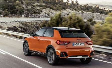 2020 Audi A1 Citycarver (Color: Pulse Orange) Rear Three-Quarter Wallpapers 450x275 (70)