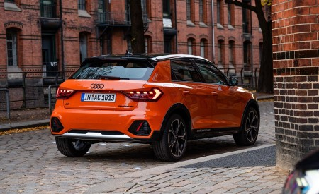 2020 Audi A1 Citycarver (Color: Pulse Orange) Rear Three-Quarter Wallpapers 450x275 (34)