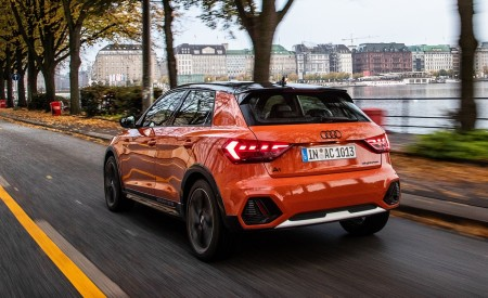 2020 Audi A1 Citycarver (Color: Pulse Orange) Rear Three-Quarter Wallpapers 450x275 (30)