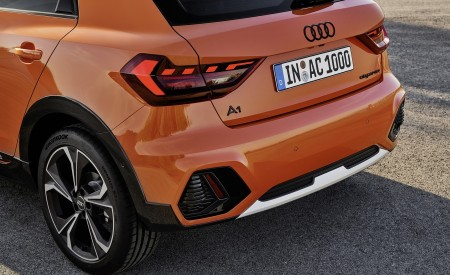 2020 Audi A1 Citycarver (Color: Pulse Orange) Tail Light Wallpapers 450x275 (89)