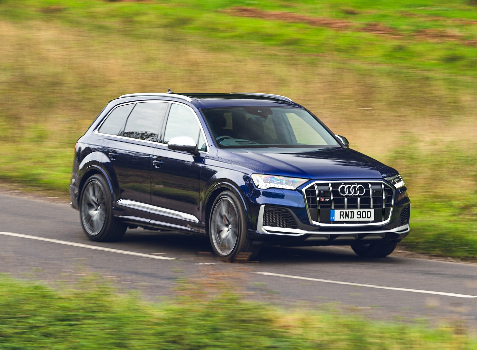 2020 Audi SQ7 TDI Vorsprung (UK-Spec) Front Three-Quarter Wallpapers (2)