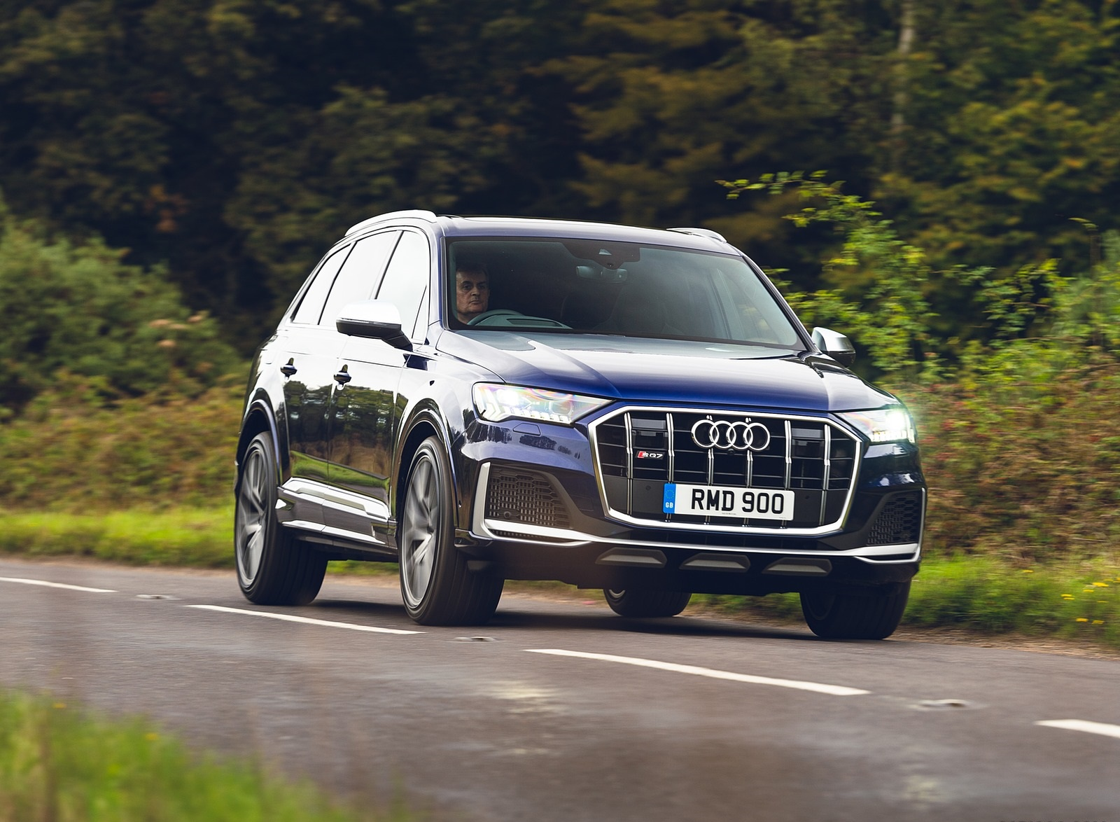 2020 Audi SQ7 TDI Vorsprung (UK-Spec) Front Three-Quarter Wallpapers (3)