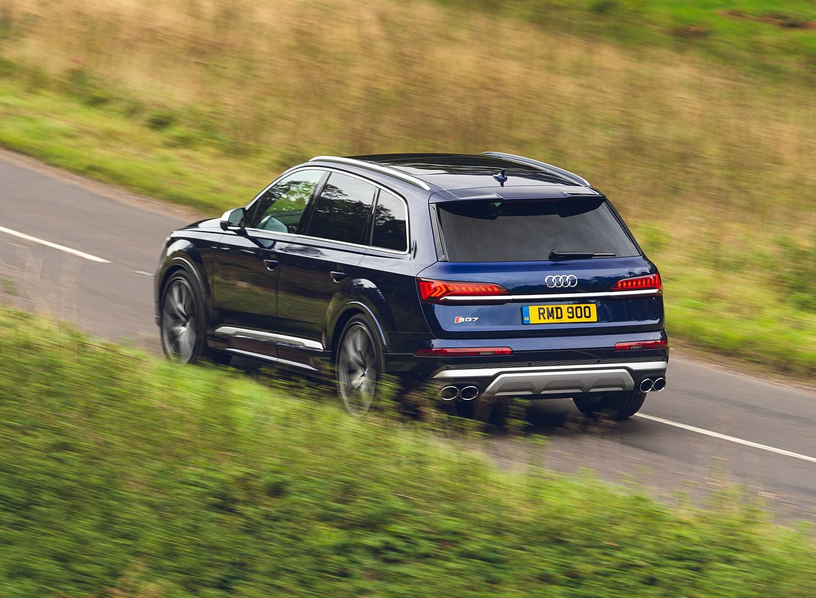 2020 Audi SQ7 TDI Vorsprung (UK-Spec) Rear Three-Quarter Wallpapers (7)
