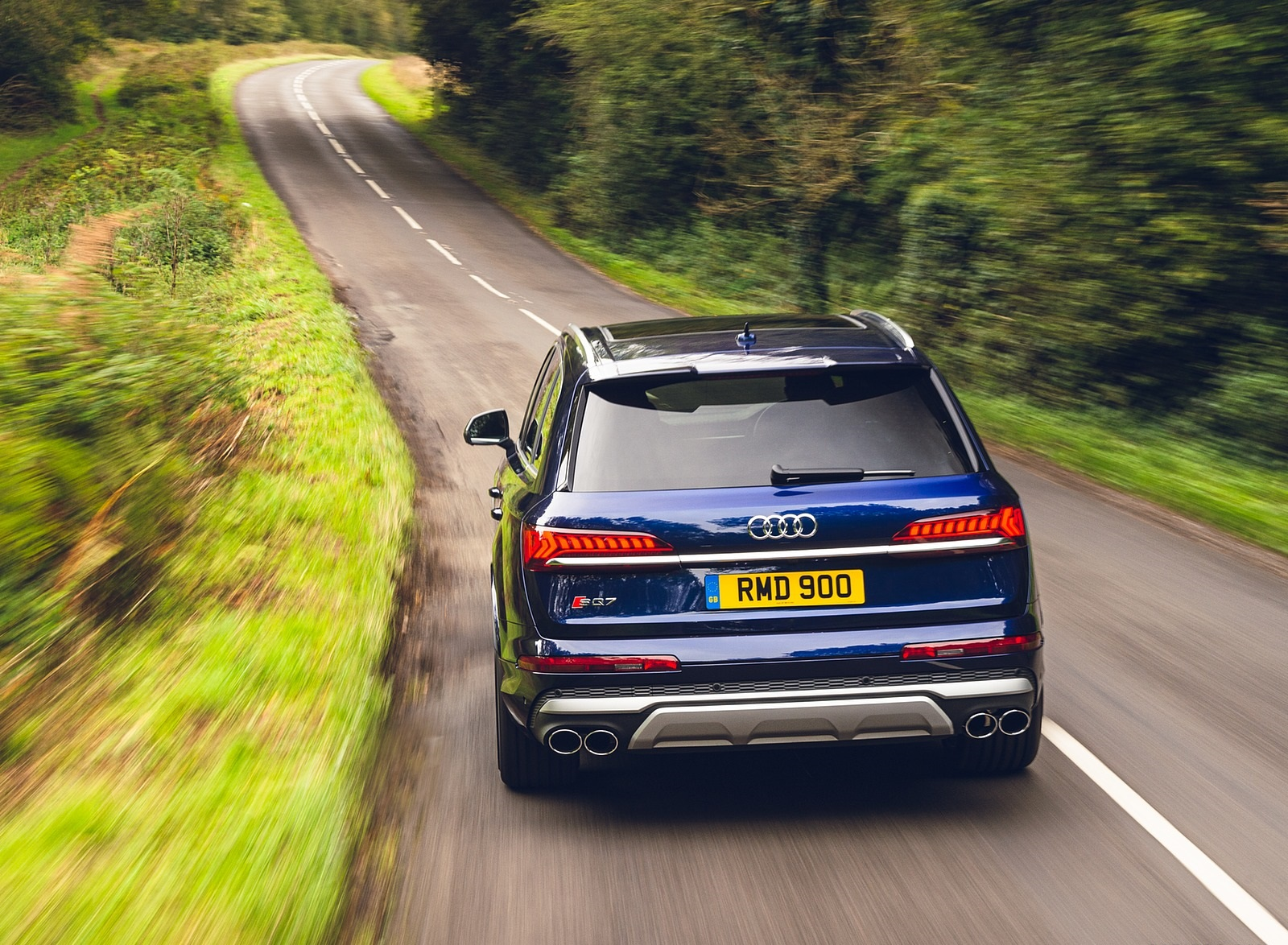 2020 Audi SQ7 TDI Vorsprung (UK-Spec) Rear Wallpapers (8)
