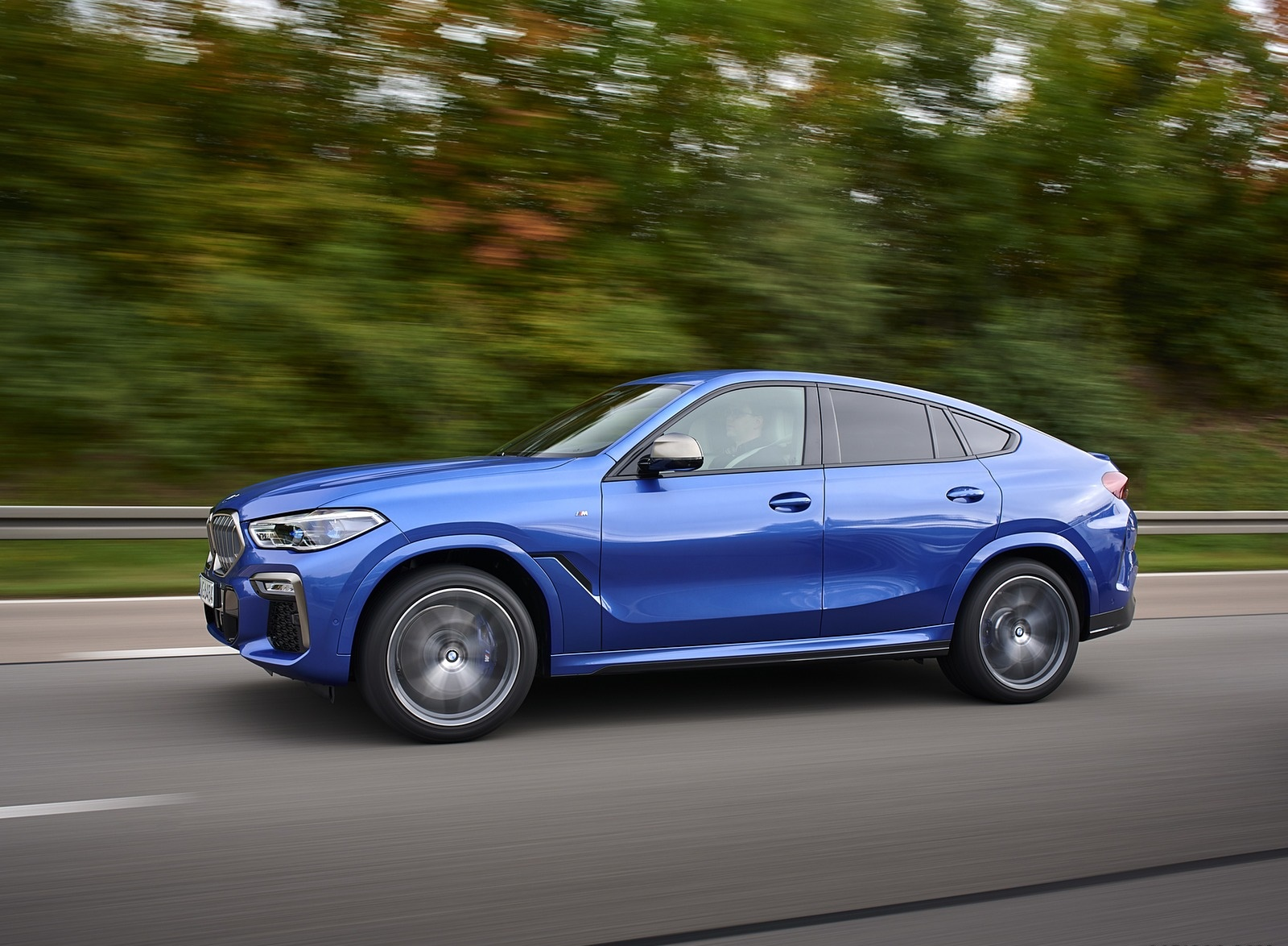 2020 BMW X6 M50i Front Three-Quarter Wallpapers (8)