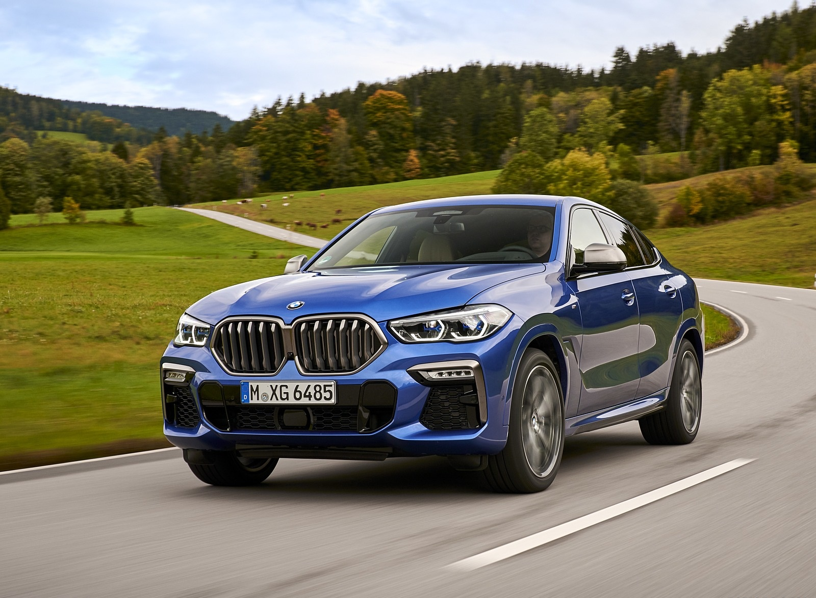 2020 BMW X6 M50i Front Three-Quarter Wallpapers (2)