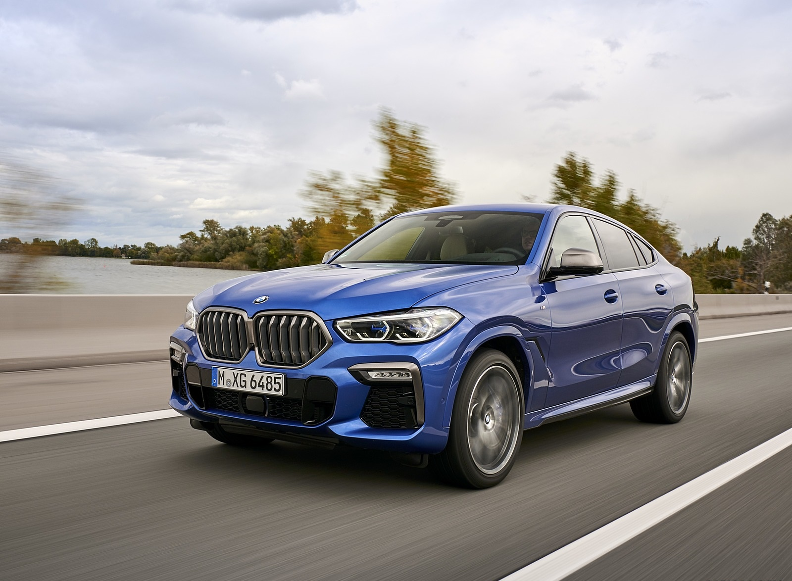 2020 BMW X6 M50i Front Three-Quarter Wallpapers (4)