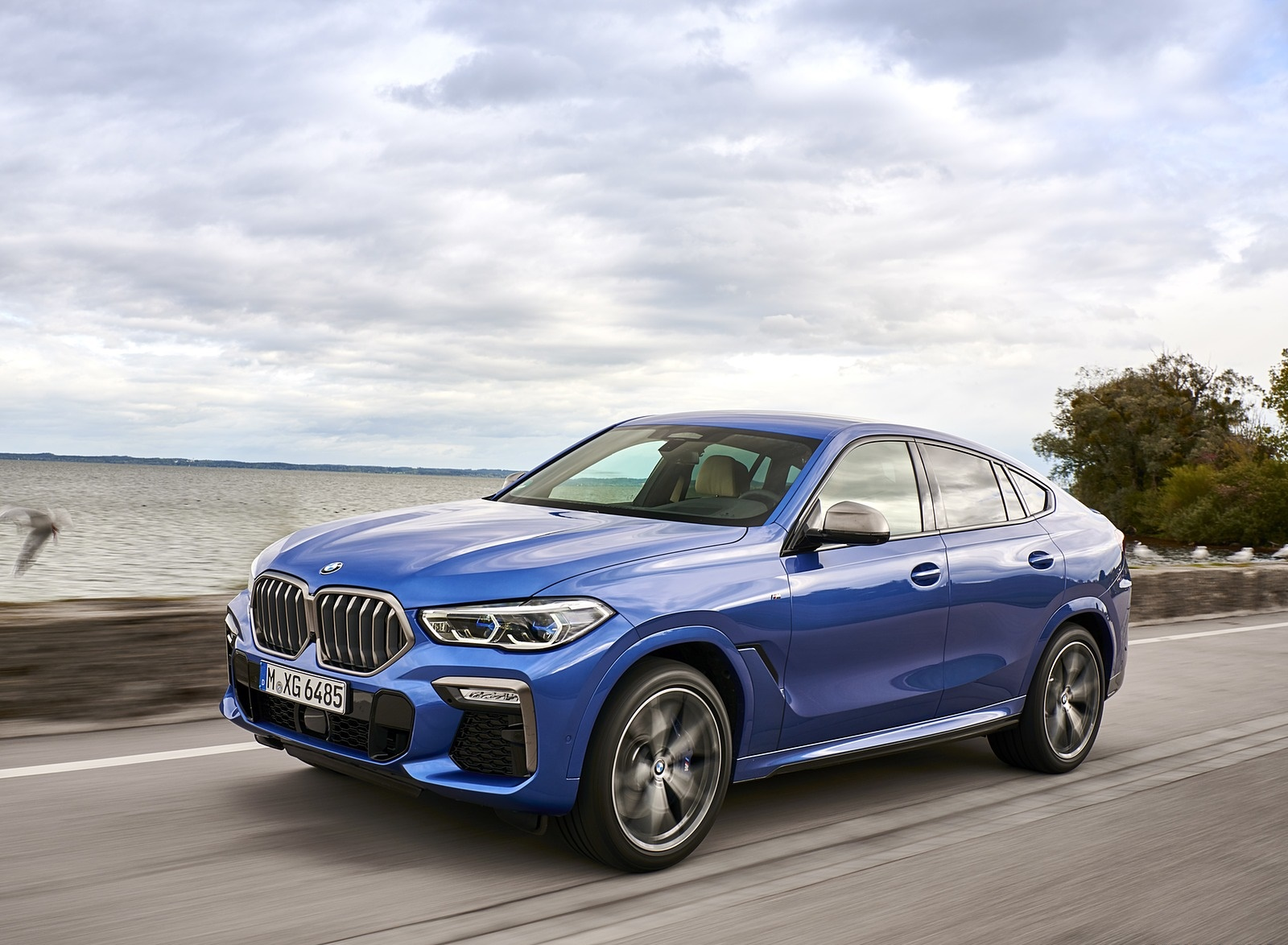 2020 BMW X6 M50i Front Three-Quarter Wallpapers (5)